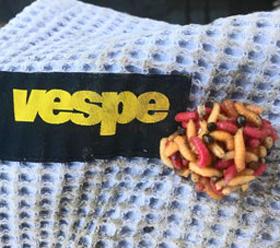 Vespe Pro sticky bait binder